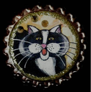 click here to view larger image of Tuxedo Cat Bottlecap Magnet (accessories)