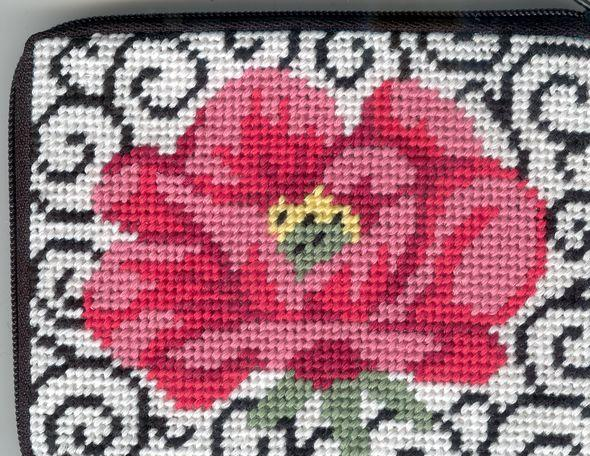 click here to view larger image of Poppy On Scrolls Coin Purse (needlepoint kits)